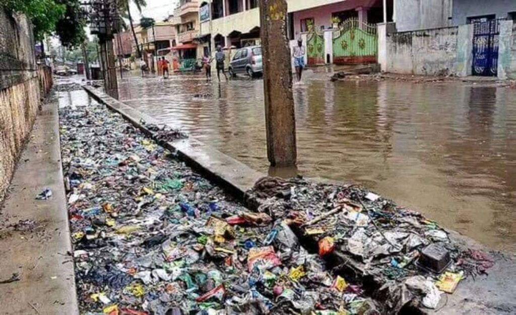 2 jailed , 8 fined GHȻ3,840 for sanitation offences