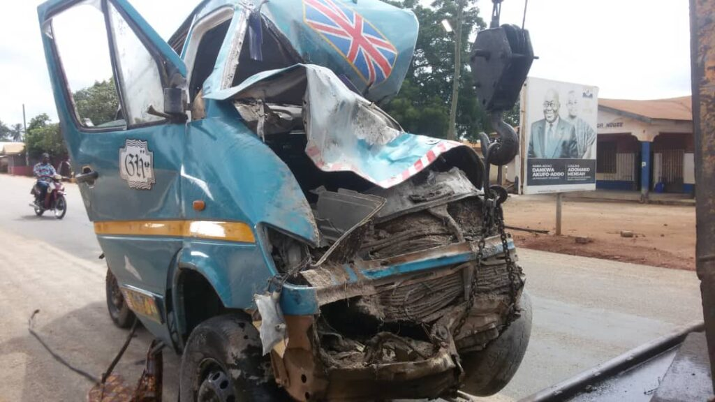 Eight feared dead in gory accident at Afigya Kwabre
