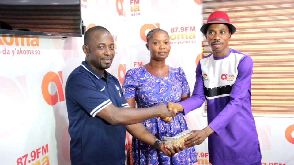 Akoma FM's Akoma Mu Nsem supports double amputee woman with over GH¢10k for prosthesis